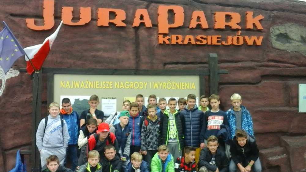 You are browsing images from the article: 06.10.2016 – Wycieczka integracyjna uczniów klas pierwszych do Krasiejowa