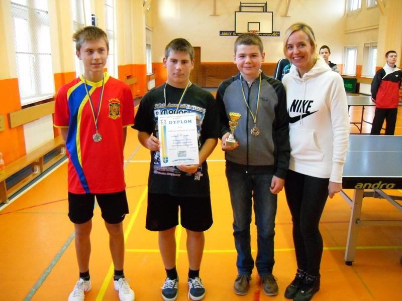 You are browsing images from the article: II Miejsce w Mistrzostwach Opola w tenisie stołowym drużynowo chłopców